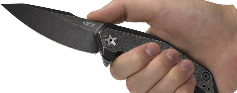 Holding Zero Tolerance 0095BW Knife